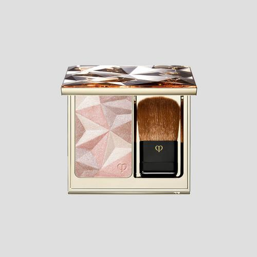 CLE DE PEAU BEAUTE LUMINIZING FACE ENHANCER (16-ALMOND) 10g