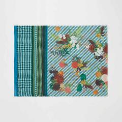 Voyage of Style 图形印花与花纹披肩巾