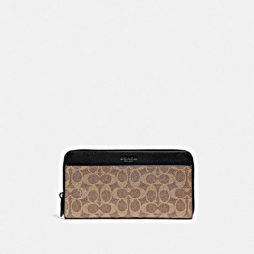 COACH Travel Wallet in Signature - KHAKI