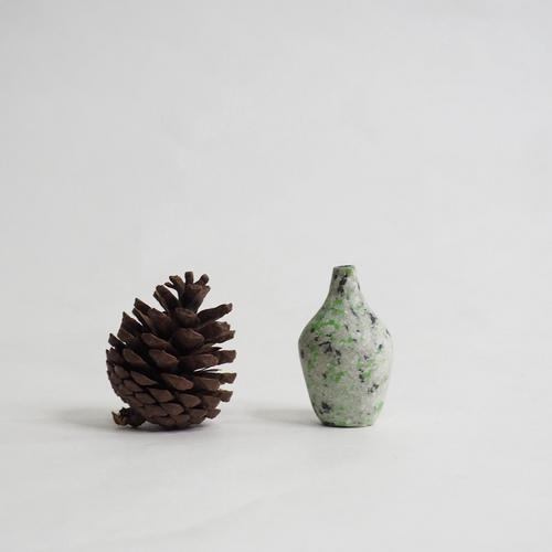 103 Paper mini vase Size M gray & green & black