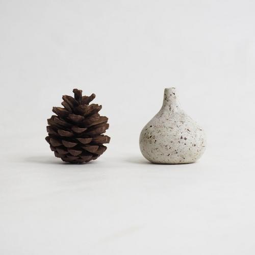 103 Paper mini vase Size L white & brown