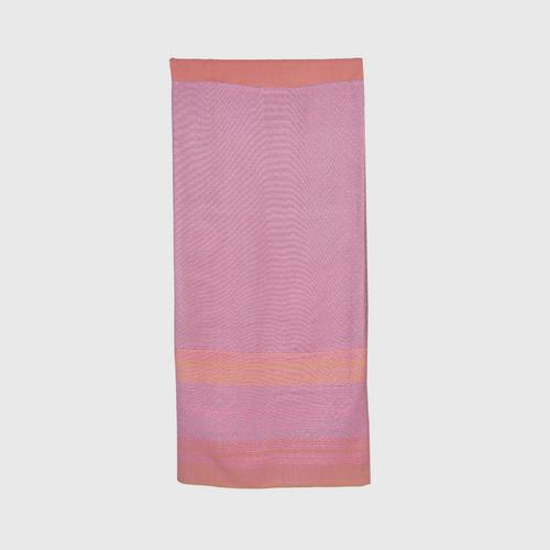 Suntree : Sin Yok Dok, Pink