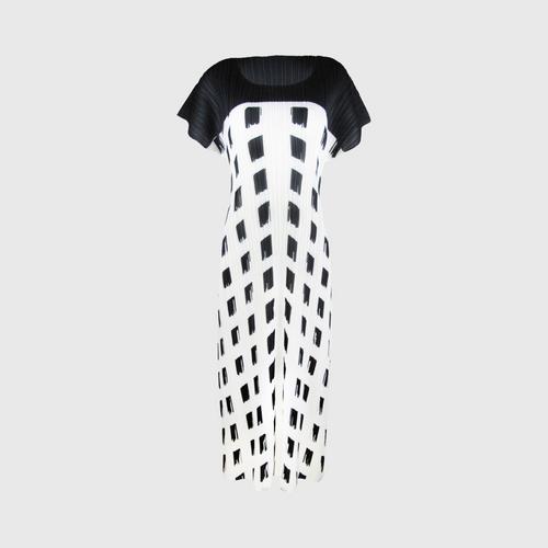 SHEENICHI PLEATS screened sacque dress Black White