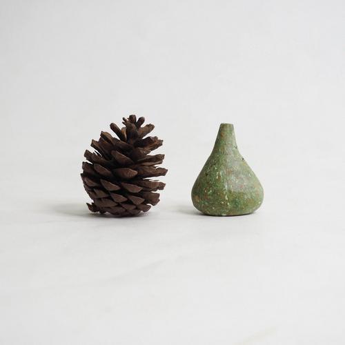 103 Paper mini vase Size M green