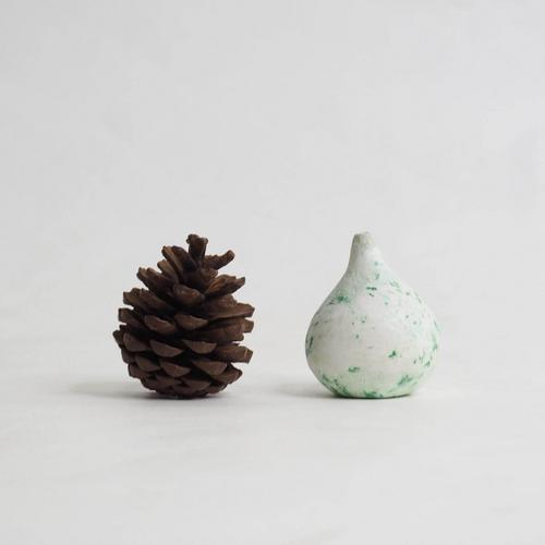 103 Paper mini vase Size L green & white