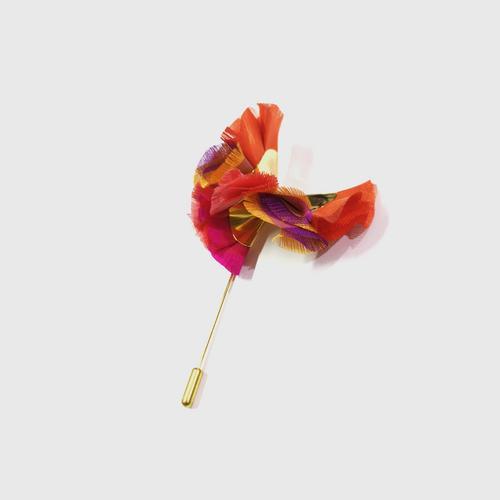 LA ORR Lapel Pin OV; Thaisilk + brass ; 18 K gold plated
