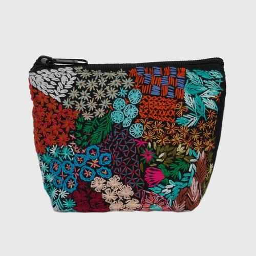 NITHEE - Coin purse Decorated with hand embroidered flowers.
