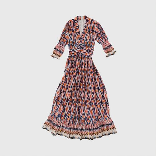 Cotton print dress, Mudmee applied And print on fabric patterns and add bright colors to match the era Made from special bleached cotton, comfortable to wear, modern