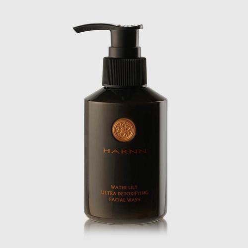 HARNN Water Lily Ultra Detoxifying Facial Wash 135 ml