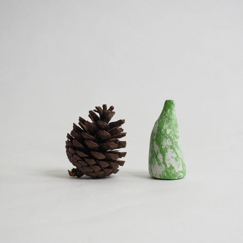 103 Paper mini vase Size M green & white