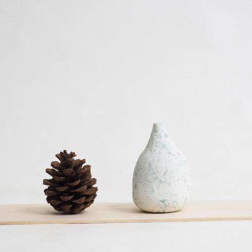 103 Paper mini vase Size XL white & green